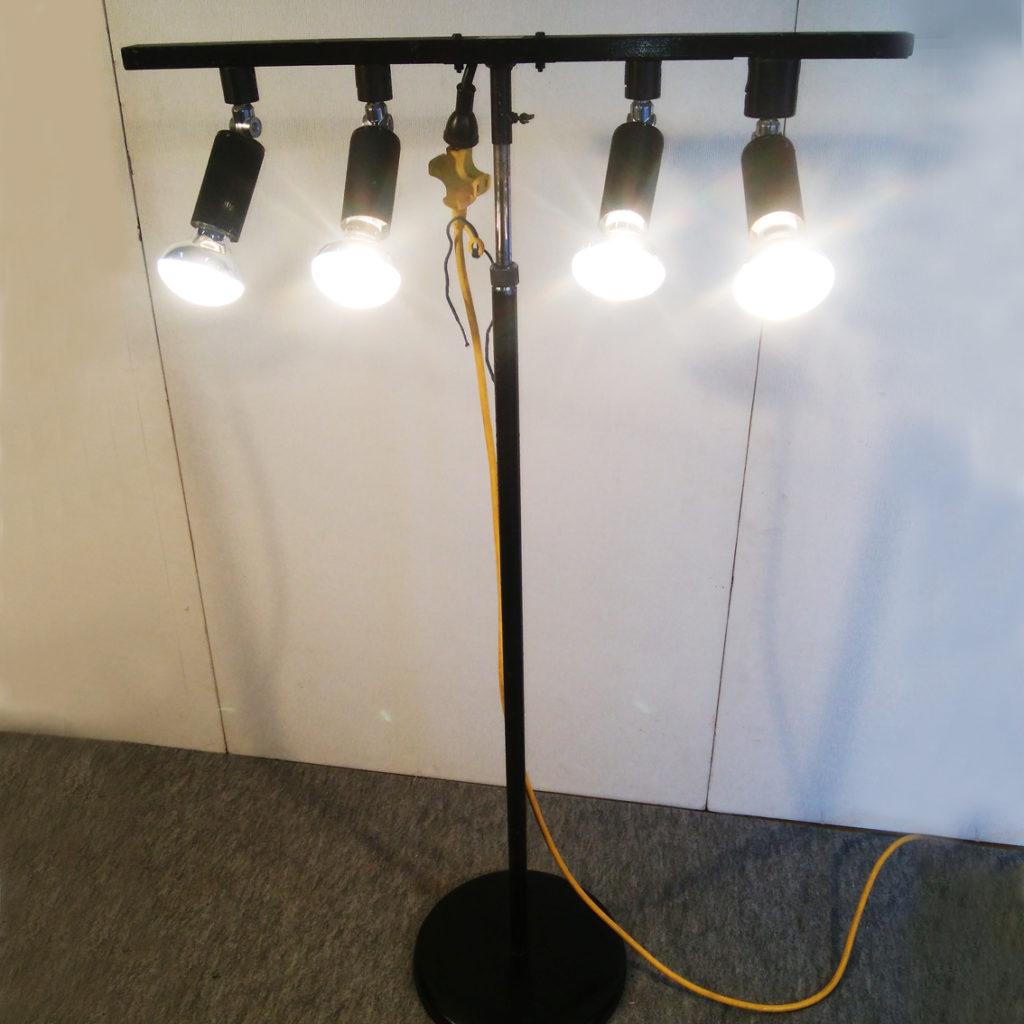 4灯式スポットライト